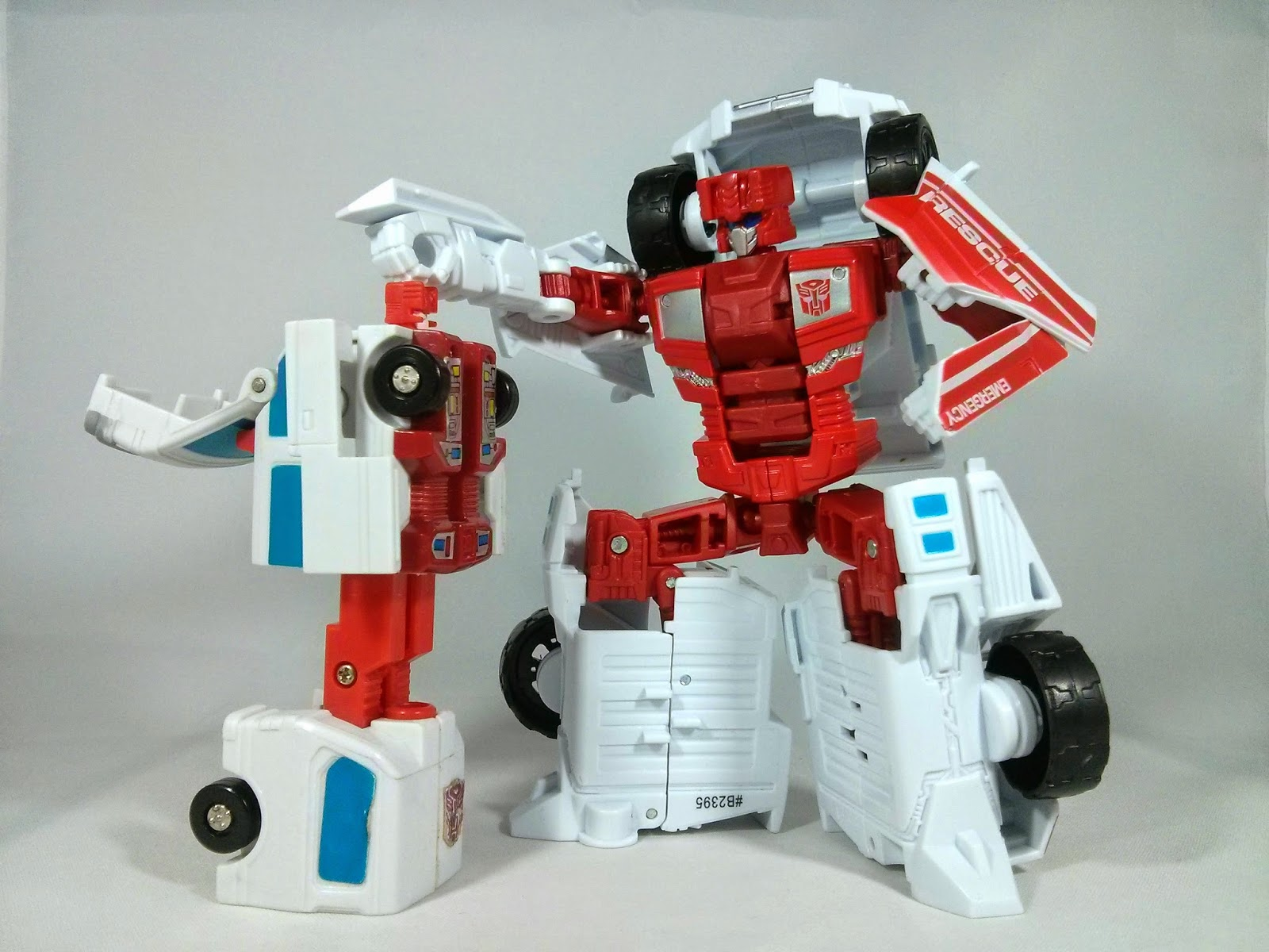 Transformers Combiner Wars & G1 First Aid