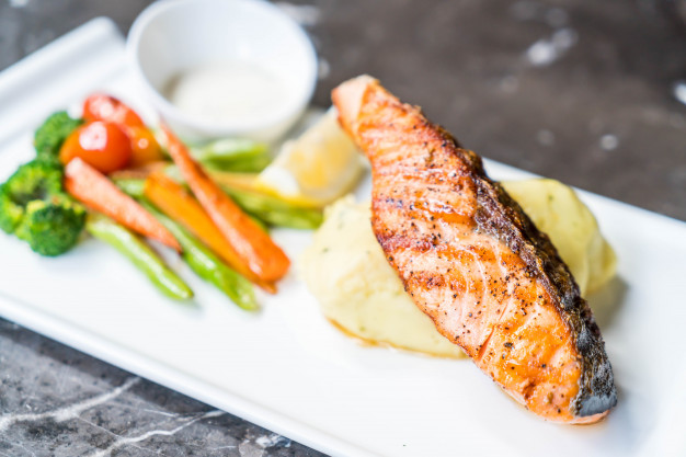 Salmon Steak with Blackpepper Sauce Recipe