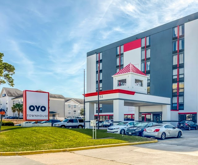 Save 55% on your Scrubbed Clean Stays at OYO Hotels in Houston