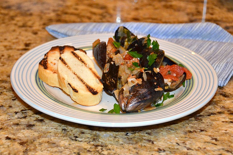 mussels with chorizo and white wine