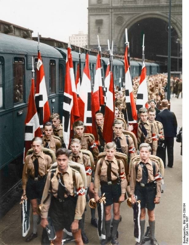 Hitler Youth color photos of World War II worldwartwo.filminspector.com