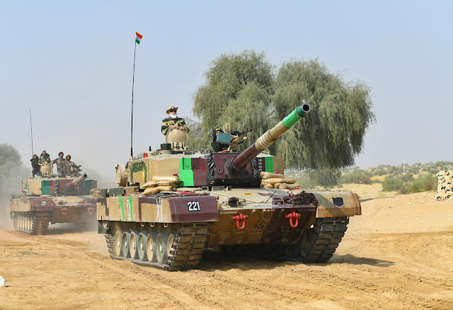 PM Modi In Jaisalmer With Indian Army