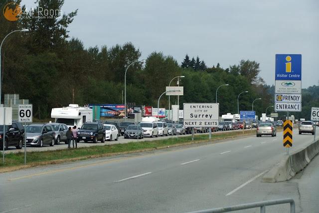カナダ国境の渋滞 Canadian border traffic jam