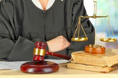 محامي من وحي الخيال