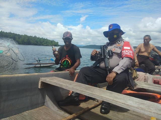 Polair Polresta Jayapura Kota Himbau Kamtibmas saat Patroli di Teluk Youtefa
