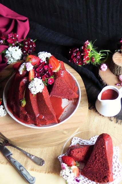 https://alf-lachefa.blogspot.com.es/2016/04/bundt-cake-red-velvet-de-fresas.html