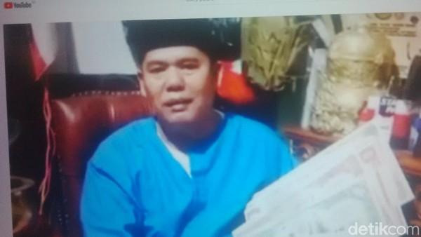 Dony Pedro Eksis di YouTube: Janjikan 1 Milar dan Pamer Tongkat 'Nabi'
