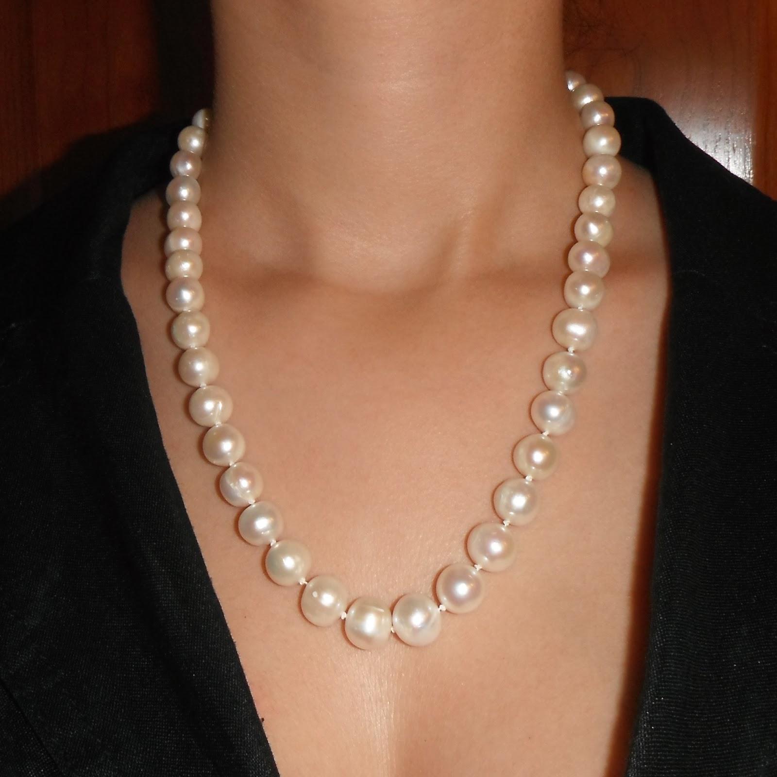 4bd233427025 Collar de perlas cultivadas con cierre de plata de ley chapado en oro de  18k de