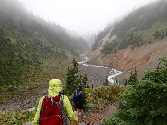 Mendaki Gunung Di Musim Hujan Khusus Bagi Anda Yang Masih Juga Kekeh Ingin Pergi: Simak Tips Penting Ini
