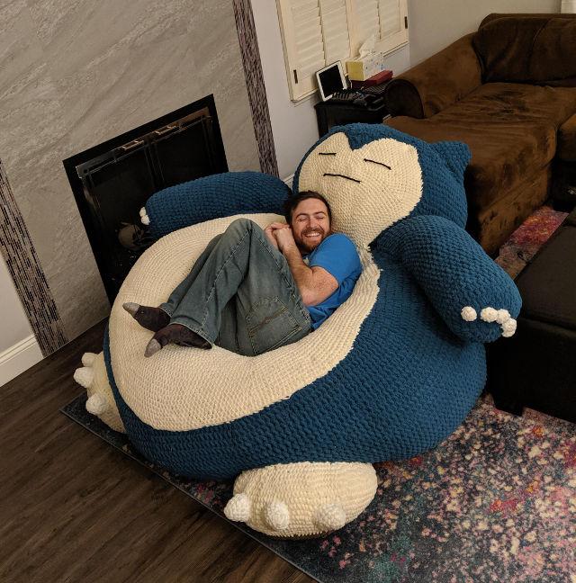 Este es el Snorlax sillon gigante que necesitas.