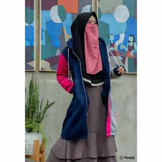 """Info Detail  ▶️ Ukuran : ALL SIZE FIT TO L  ▶️ Material : Premium Fleece yang """"SOFT TOUCH"""" langsung dari pabrik pengolah kain berpengalaman  ▶️ Proses : Dibuat Handmade dengan penjahit terbaik yang berpengalaman lebih dari 5 tahun  ▶️ Sablonan Berkualitas  ▶️ Bukan sekedar fashion. Namun menguatkan """"JATI DIRI / IDENTITAS"""" Hijaber yang modis dan stylish"""