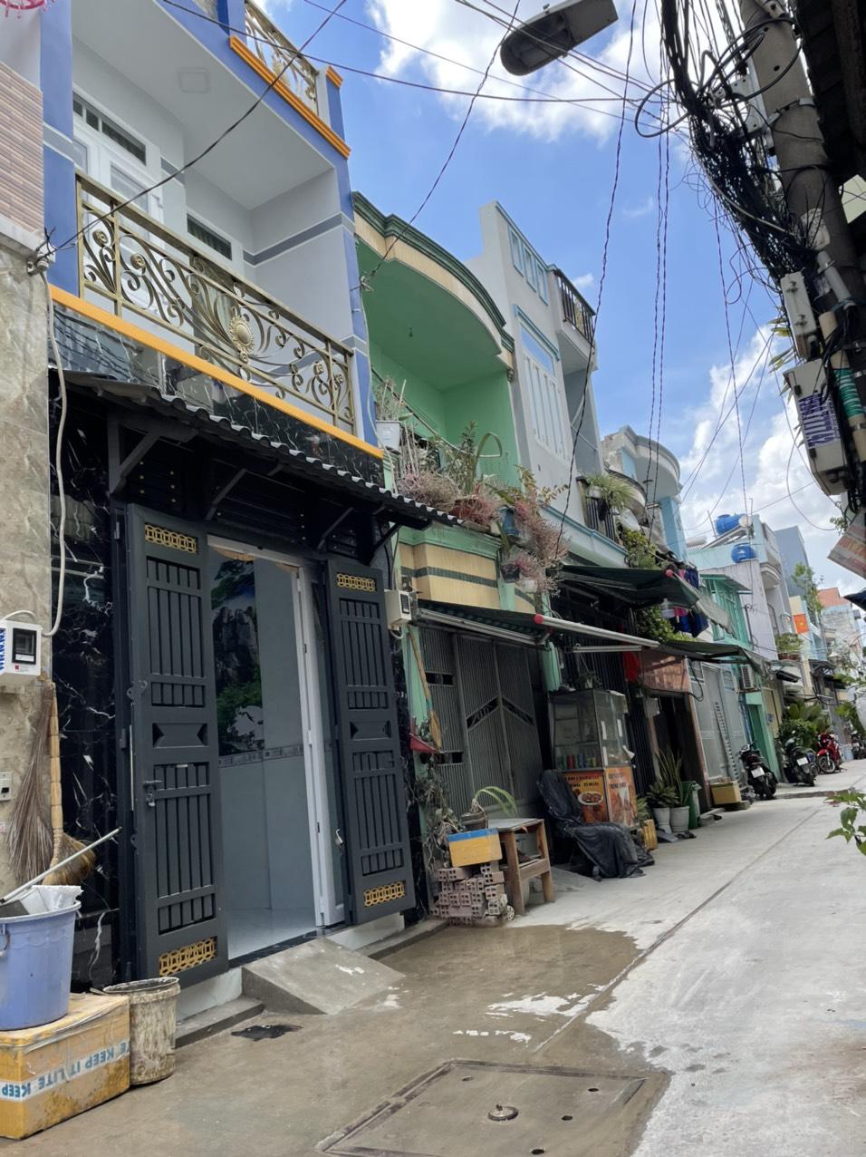 Bán nhà đường Chiến Lược quận Bình Tân dưới 3 tỷ Nhà đẹp 1 lầu vào ở ngay, sổ hồng riêng