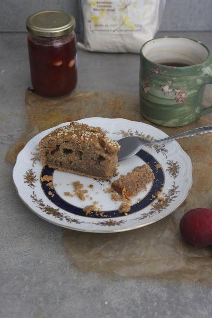 Cuillère et saladier : Gâteau à la confiture d'abricots, orange confite et farine de châtaigne (vegan)