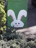 https://joysjotsshots.blogspot.com/2020/04/fun-friday-easter-bunny-yard-banner.html