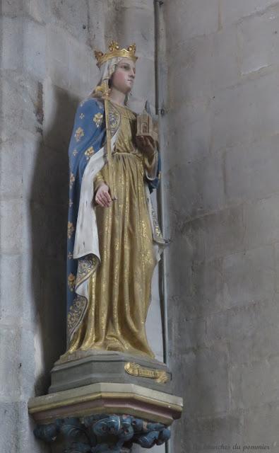 Statue de Sainte Clotilde à Offranville