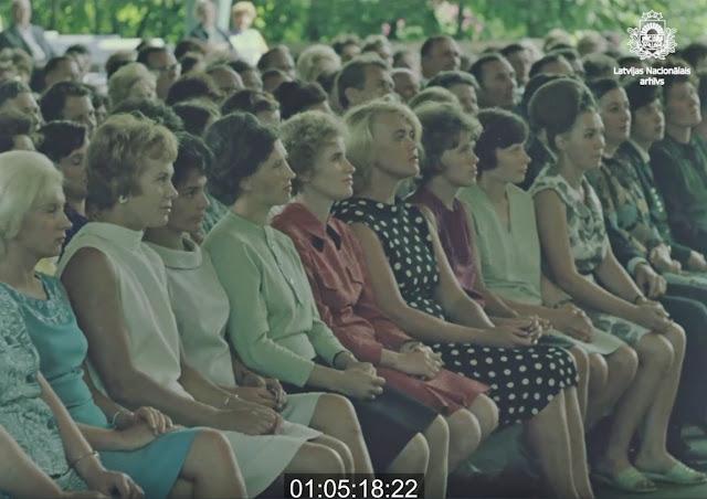 """1968 год. Юрмала. Юрмала. Зрители в концертном зале """"Дзинтари"""""""