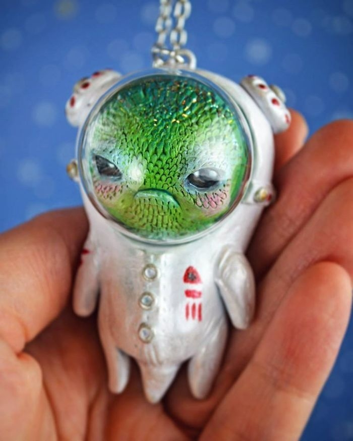 10-Sandra-Arteaga-Sculptures-of-Sweet-Creatures-from-Another-Universe-www-designstack-co