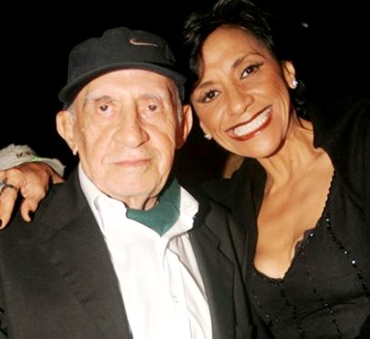 Foto de Bettina Oneto feliz junto a su progenitor