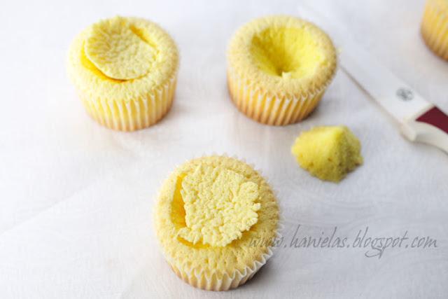 Raspberry Frappuccino Cupcake Recipe - via BirdsParty.com