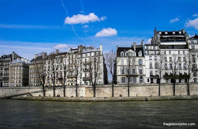 Passeio às margens do Sena, Paris