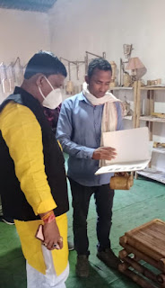 मंत्री रामकिशोर नानो कावरे कावरे ने बांस हस्त शिल्प कला केंद्र बैहर का निरीक्षण किया