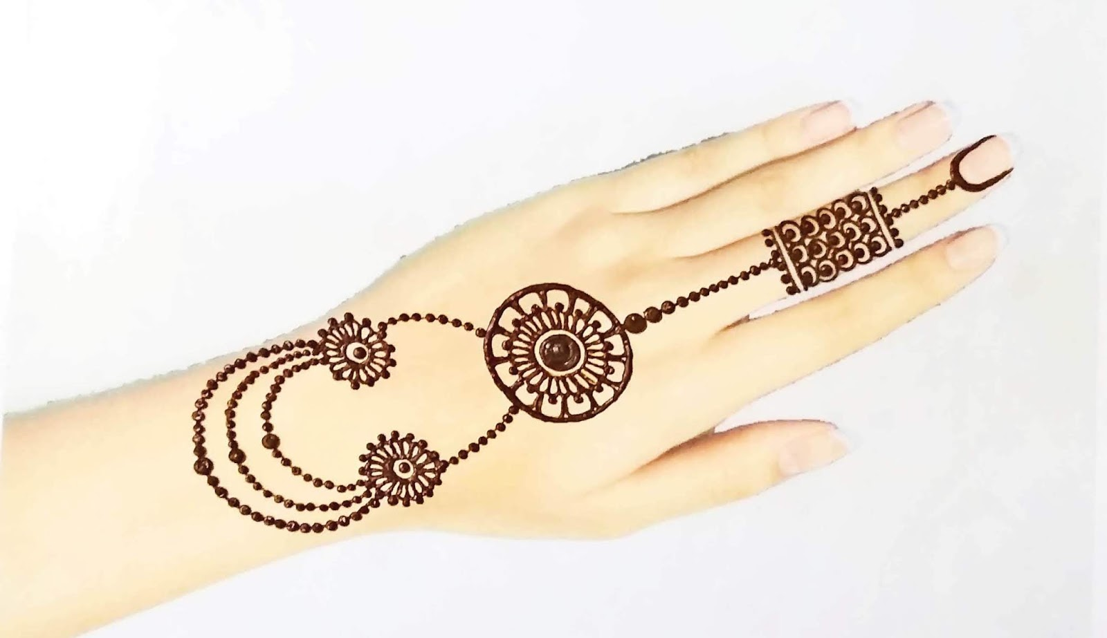 beautiful mehndi design for ramzan