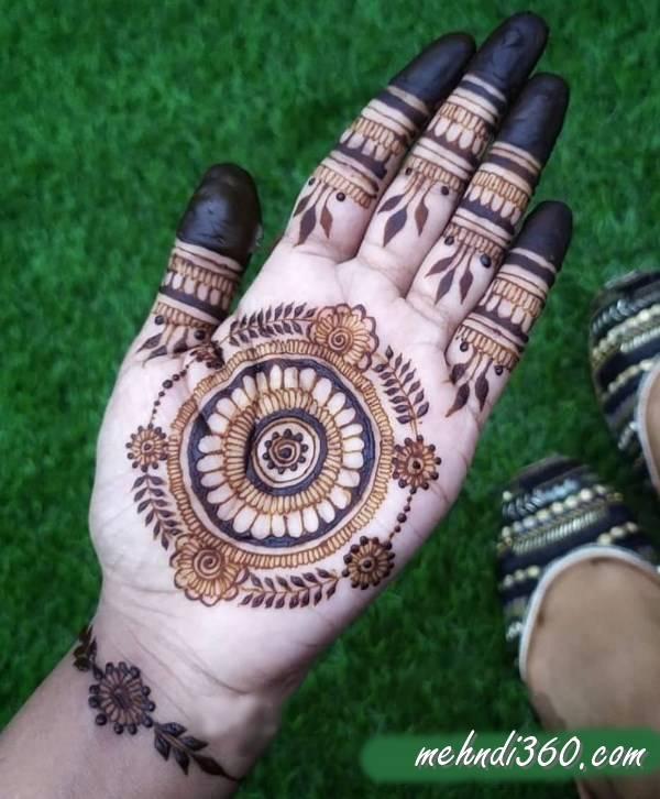 Best Mandala Mehndi Design Front
