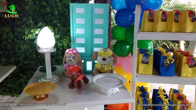 Decoração festa Patrulha Canina em mesa provençal