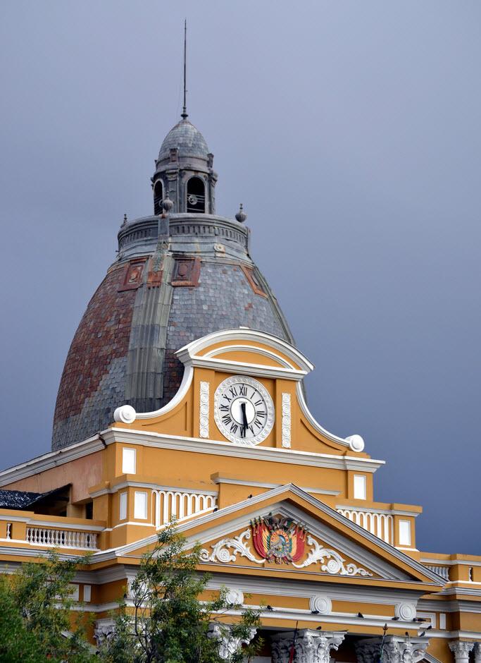 la-plaz-assemby-clock