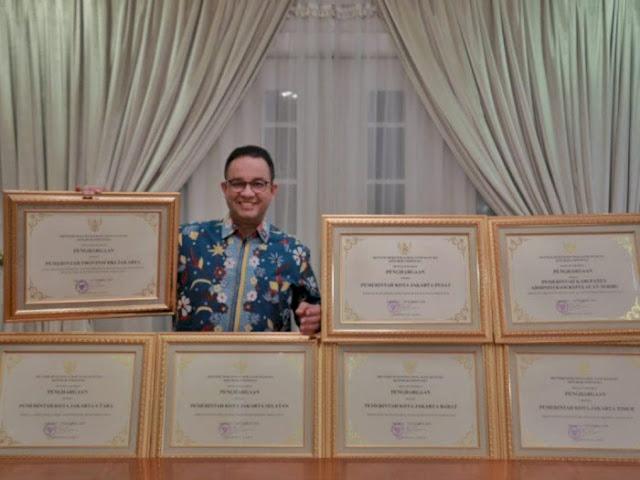 PDIP DKI Kritik Anies Pamer Penghargaan: Tidak Dirasakan Masyarakat
