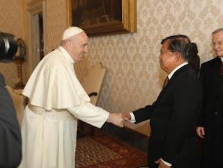 Ini yang Disampaikan Jusuf Kalla ketika Bertemu Paus Fransiskus