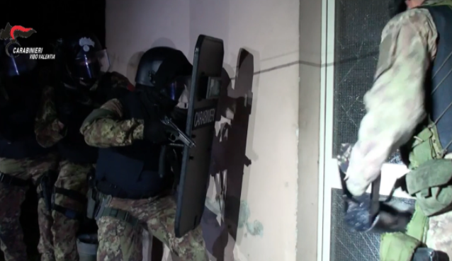 Vibo Valentia: la cattura di Domenico Cracolici per mano dei Carabinieri [VIDEO]