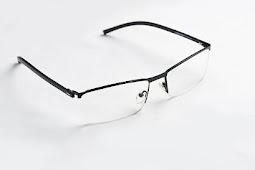 Apakah Mata Minus bisa Menular melalui Kacamata bila Dipakai Anak?