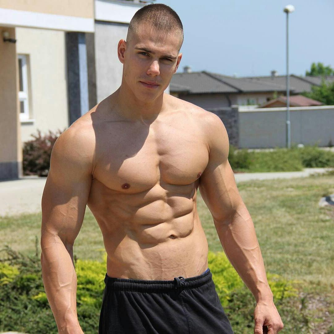shirtless-beefcake-shredded-sexy-male-body-abs-pecs-american-attractive-hunk