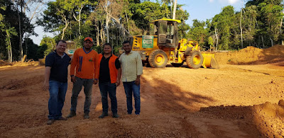 Dr. Neidson visita obras de encascalhamento no assentamento Rancho Alegre em Candeias do Jamari