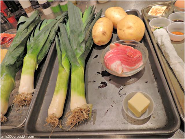 Ingredientes del Hash de Patatas, Puerros y Beicon en la Clase de Sur la Table