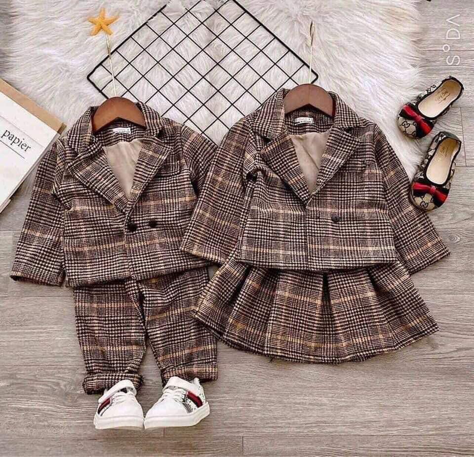Sét 2 chi tiết gồm áo + chân váy hoặc áo + quần