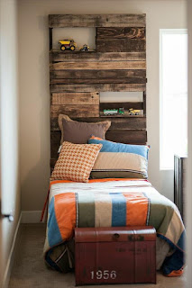 cama singular para hostel con palets de madera