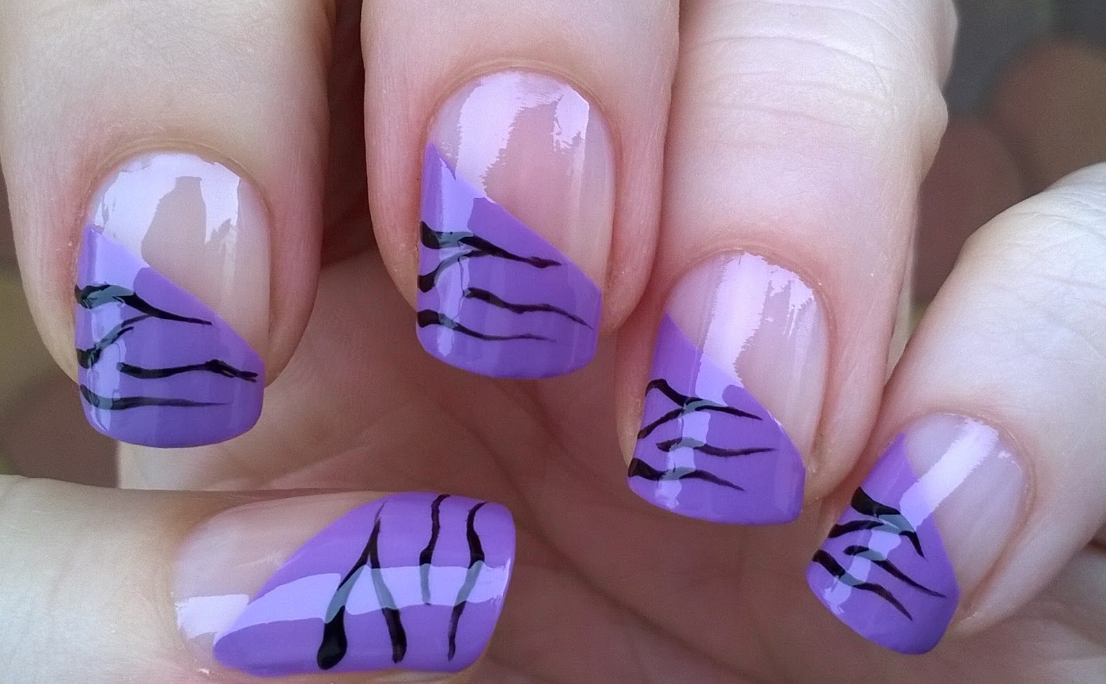 Life World Women: Gradient Pastel Purple French Tip Nails ...