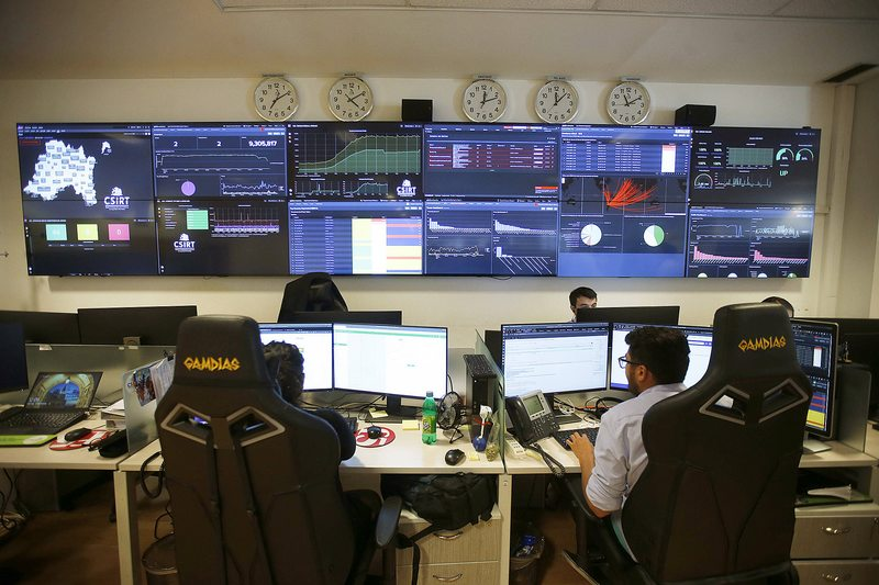 En esta central trabajan los hackers que defienden al Estado de ciberataques