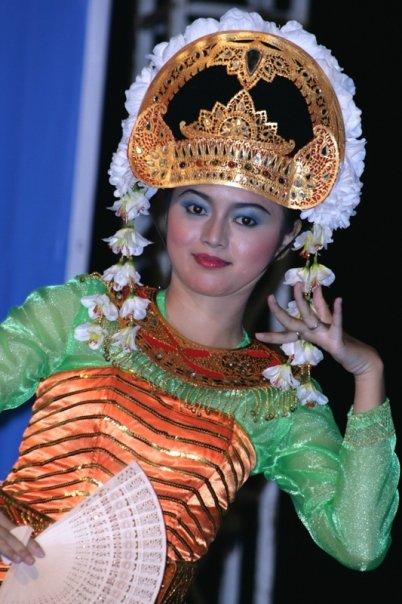 Penari Gandrung khas Lombok