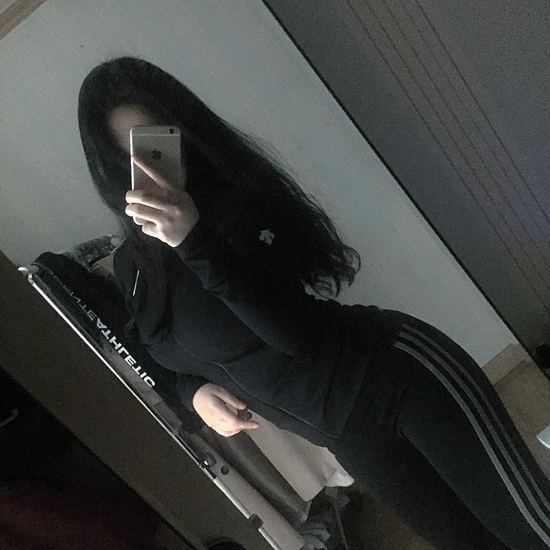 쫀쫀한 옷에 드러난 몸매
