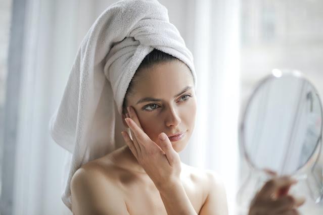 Aqui está o que você precisa fazer para permanecer bonita e ter uma aparência jovem aos 40: