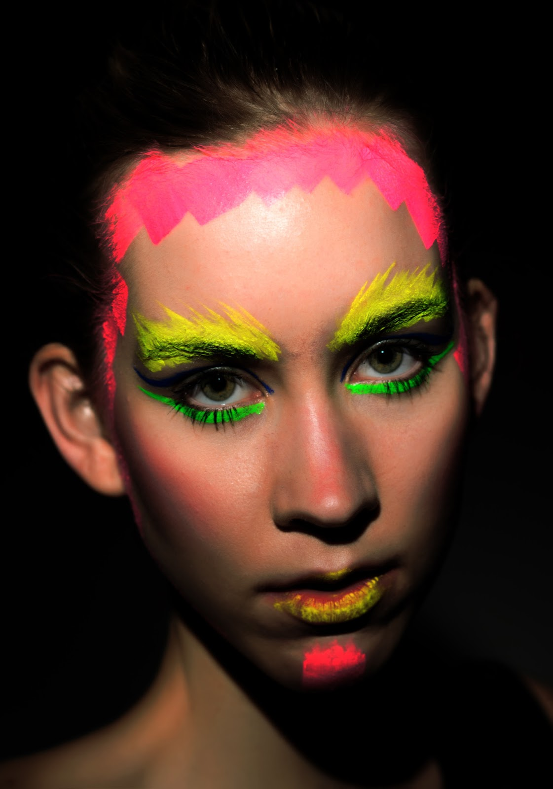 Video Makeup Tutorials: Neon Makeup / Header
