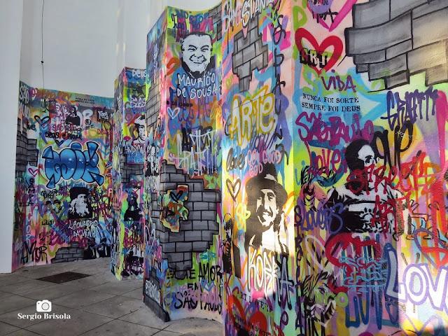 Vista lateral do Painel Grafite The Wall - MIS-SP - Jardim Europa - São Paulo