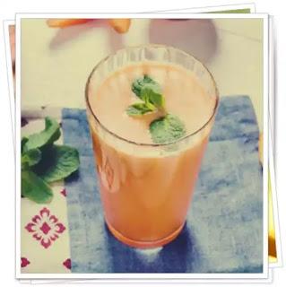 preparer reteta de smoothie detoxifiant cu ananas castravete si portocala