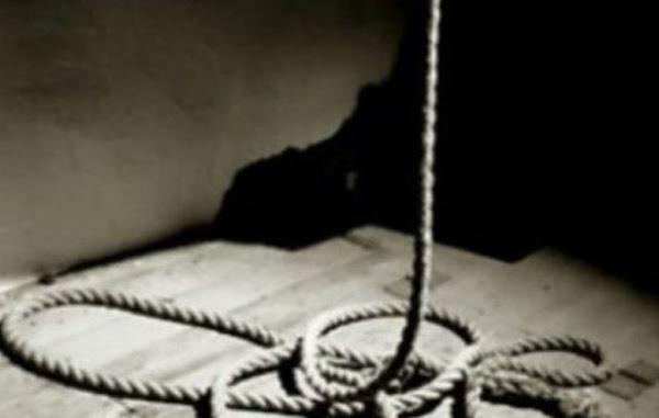 27χρονη βρέθηκε κρεμασμένη μέσα στο σπίτι από την αδελφή της