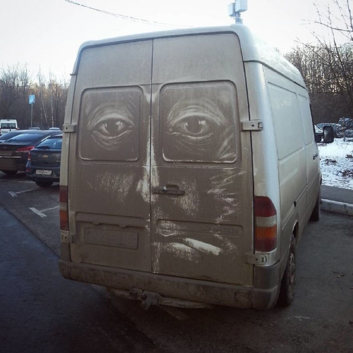 Artist turns dirty cars and trucks into amazing works of art in Moscow