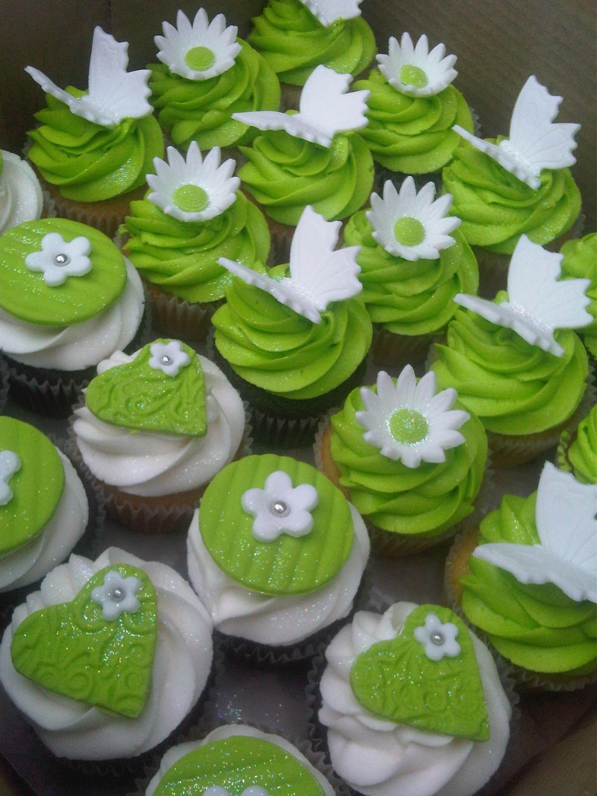 Welcome To Just Iced Green And White Cupcakes