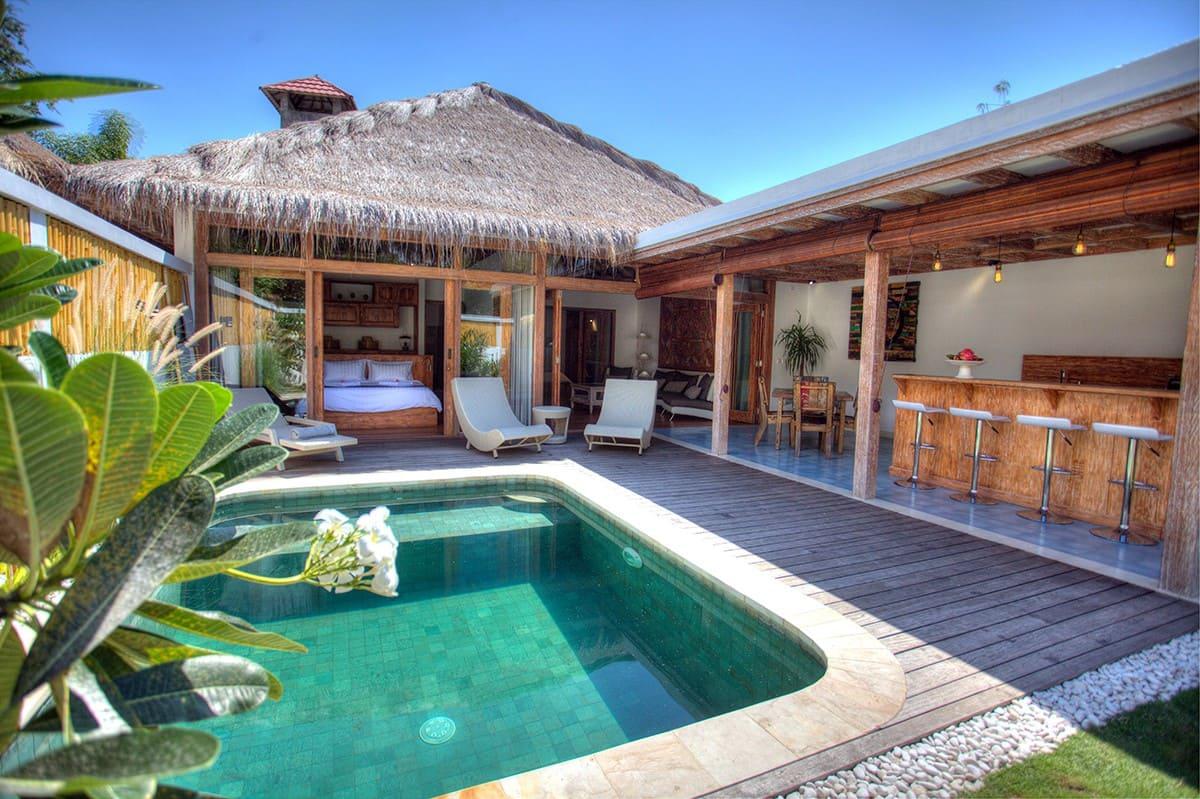 villa ada private pool dekat pantai di lombok